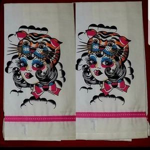 Sourpuss On the Prowl Towels Flapper Girl & Tiger